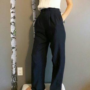 Lauren Ralph Lauren Navy 100% Wool dress pants 6